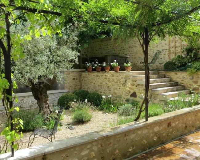 Côté Sud : oliviers, glycines